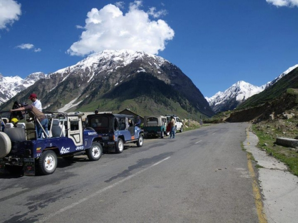 Kalash Jeep Tour